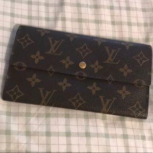 AUTHENTIC!! Louis Vuitton Wallet